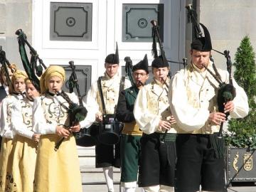 Banda de gaitas La Reina del Truébano