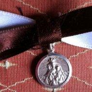 Medalla de la Sociedad de Bienhechoras y Camareras de Nuestra Señora del Carmen